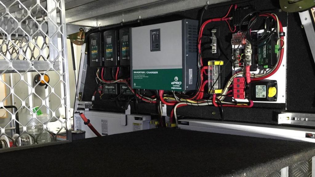 Зарядные устройства постоянного и переменного тока в автомобиле