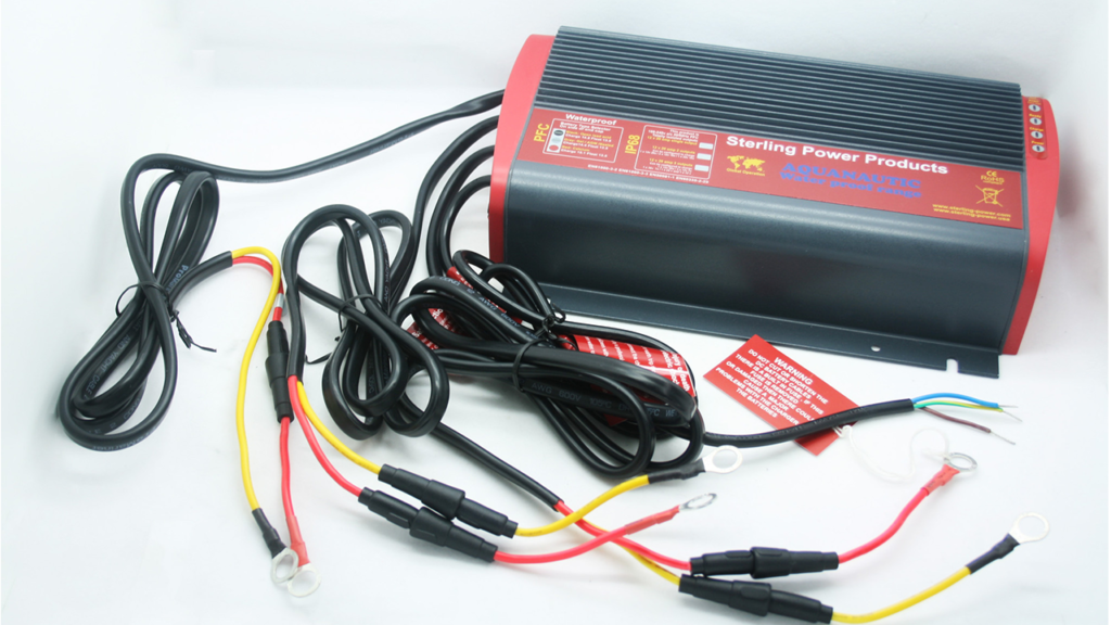зарядное устройство для катера с тремя выходами Sterling Power PSP12203